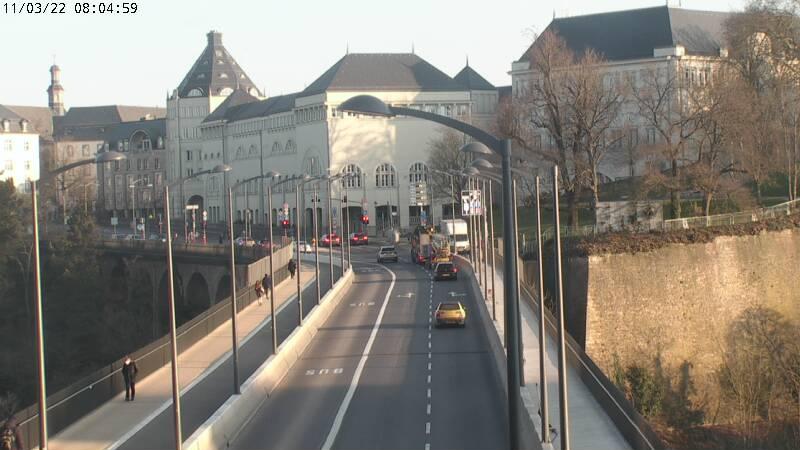 Webcam des travaux d'élargissement à Luxembourg-ville du pont 'passerelle' reliant le quartier gare et le quartier centre